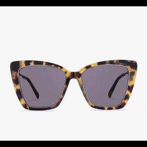 DIFF Becky IV tortoise shell oversized sunglasses